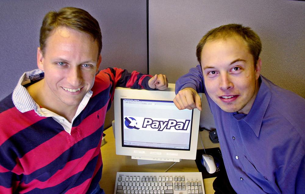 ایلان ماسک در کنار پیتر تیل